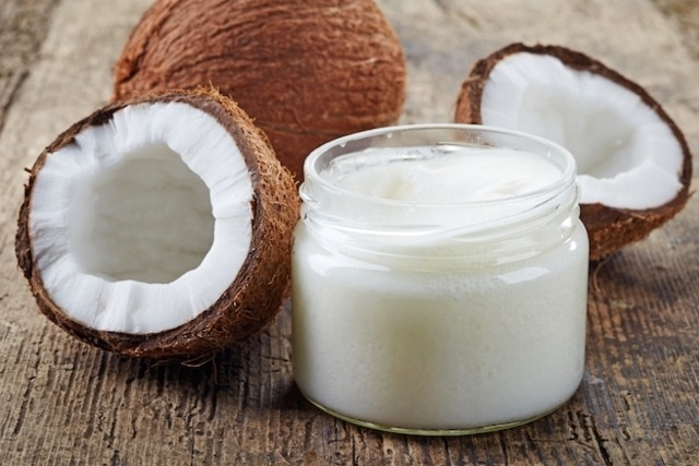 beauty uses of coconut oil - By Megan Kelly