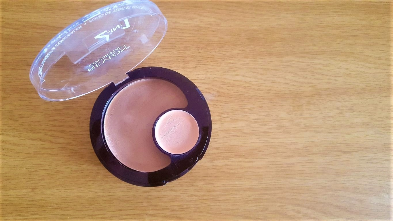 Revlon 2-in-1 makeup and concealer - By Megan Kelly