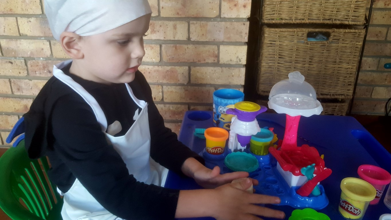 Play-Doh Kitchen Creations - By Megan Kelly